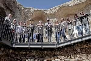 מרפסת המגדל המתומן בגן לאומי ירקון פארק אפק