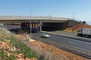המעבר העילי בכביש 85 מבט ממערב למזרח - צילמה טליה אורון
