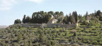 בדרך לעין כרם מנזר אחיות ציון - צילום יעקב שקולניק
