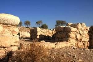השער המערבי בחורבת קיאפה - צילם יעקב שקולניק