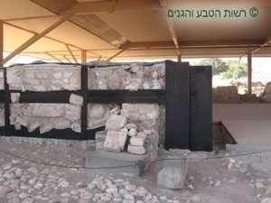 שיחזור חלק מהארמון הכנעני בתל חצור