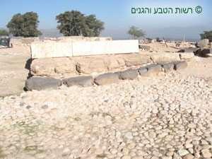 שימוש בסלעים שונים לבנייה-תל חצור