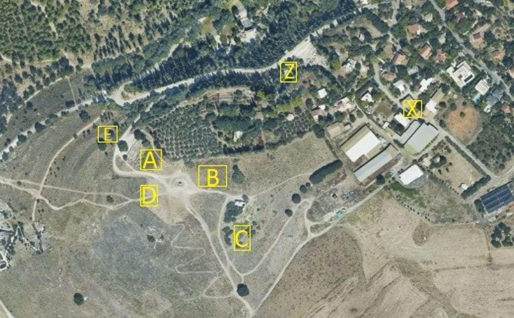 בית שערים- תצלום אוויר עם שטחי החפירה.jpg