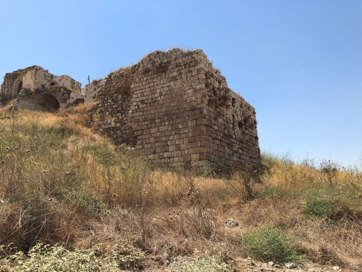 המגדל הצפוני מערבי של המבצר הצלבני במגדל צדק. צילם: צביקה צוק