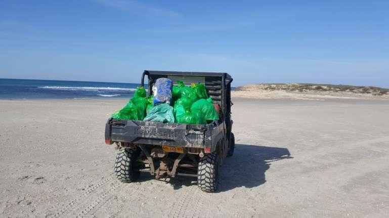 איסוף פסולת בים- סער שירן