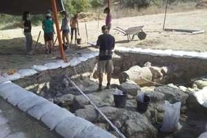 חפירות מתנדבי גן קהילה בגן לאומי בית שערים