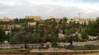 מבט מערבה מחומת העיר העתיקה - צילום אביתר כהן, רשות הטבע והגנים