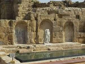 נימפאון גן לאומי קיסריה - צילמה אביבית לביא