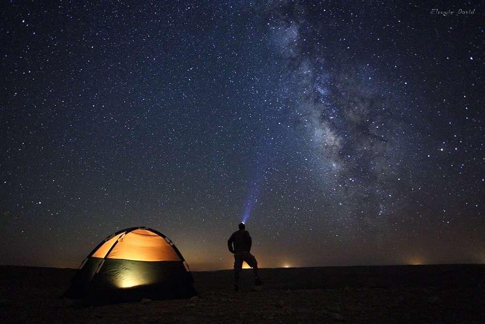 אור כוכבים במכתש רמון צילם אלרואי דויד