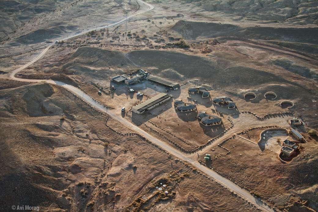 חניון בארות - מכתש רמון - צילום משרד ברוידא- מעוז
