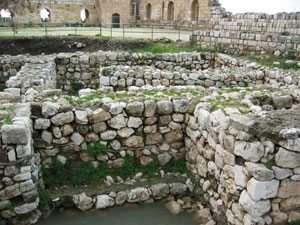 שרידי בית המושל המצרי בגן לאומי ירקון