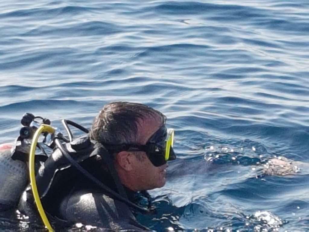מנכל רשות הטבע והגנים, שאול גולדשטיין, בביקור בשמורת הטבע מתחת למים.